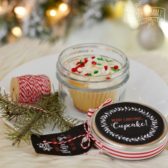 Christmas Cupcake in a Jar Gift Idea with Adorable Free Printables!