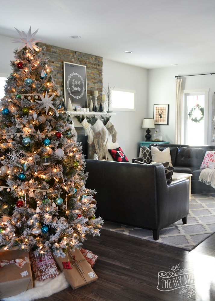A Canadian Prairie Christmas home tour packed with DIY ideas, easy styling tips and free downloads. These are some great ideas!