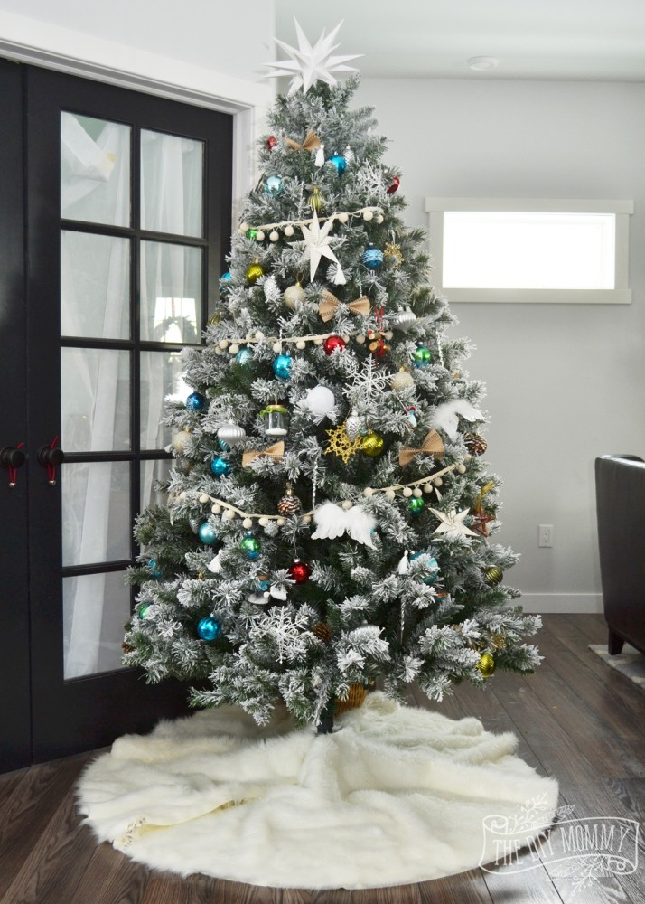 How to make a DIY no sew faux fur Christmas tree skirt