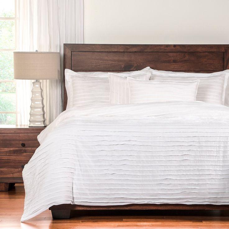 Gorgeous textured white bedding set