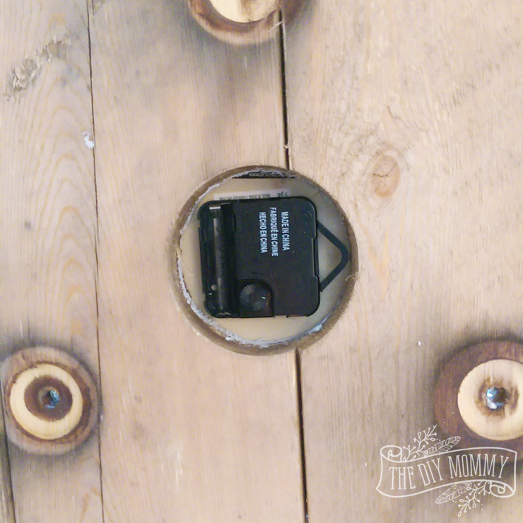 How to make a large DIY reclaimed wood clock from an electrical reel