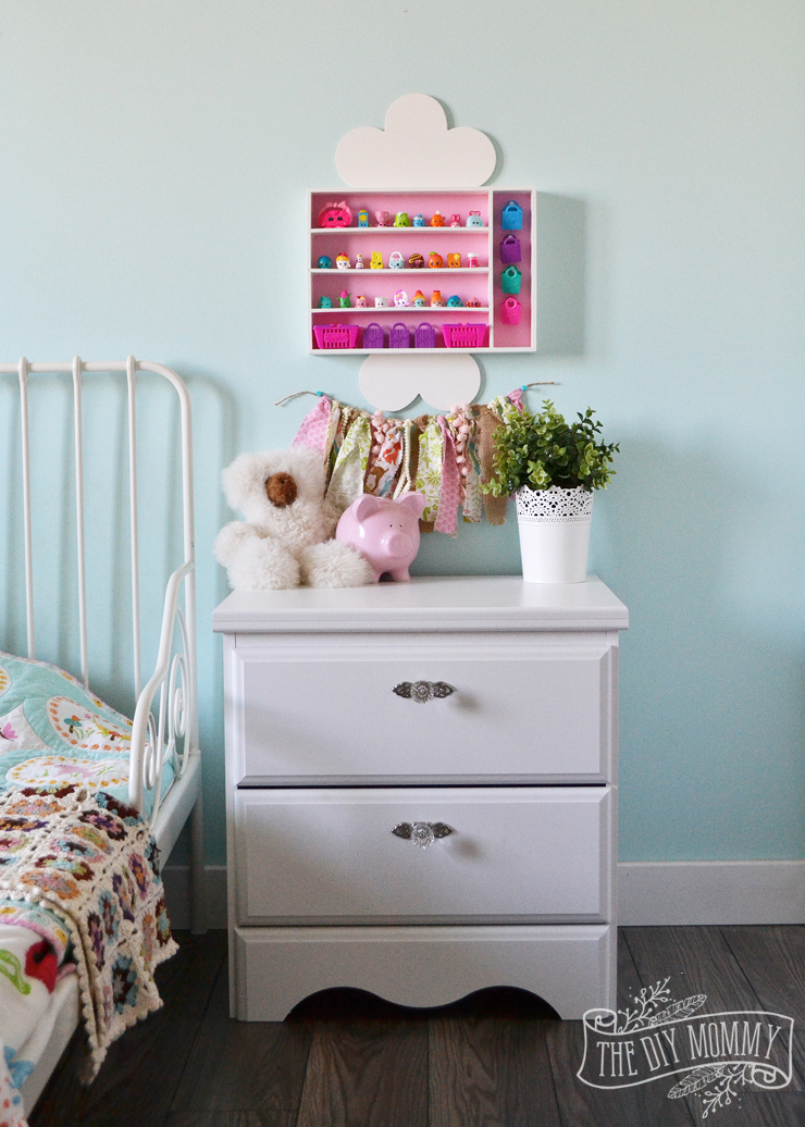 How to make a wall shelf for kids' collectibles out of a cutlery tray