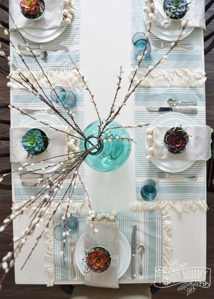 A simple but beautiful nature inspired table setting idea for Spring or Easter - love the aqua and succulents!