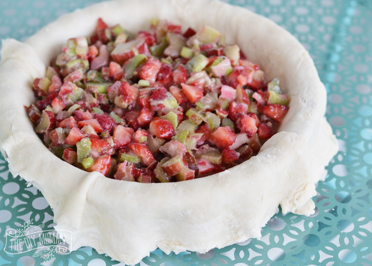 How to make the best strawberry rhubarb pie - delicious, no fail recipe!