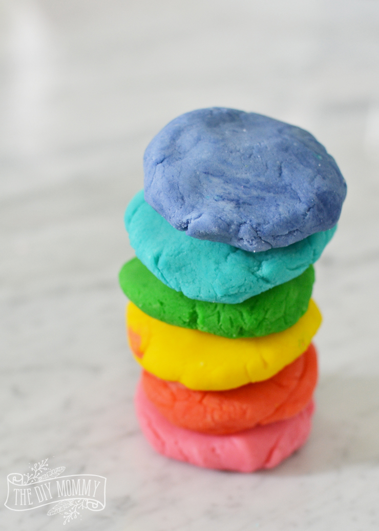 The best play dough recipe - soft, stretchy, colorful!