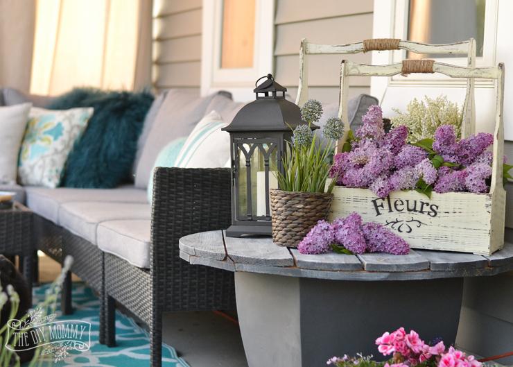 Country Farmhouse Porch Decor Ideas (with A Boho Twist