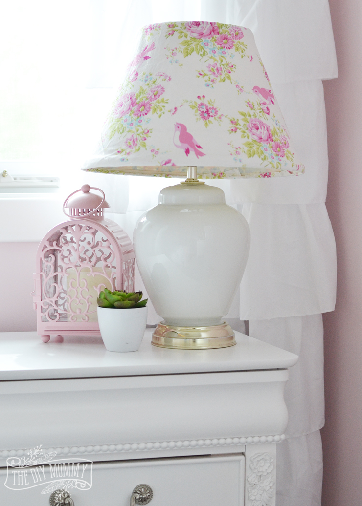 A pink white gold shabby chic glam girls bedroom - Little girls shabby chic bedroom ...