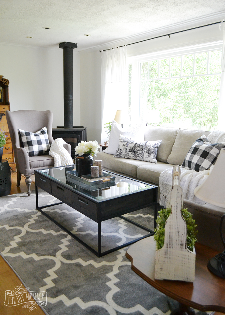 Our Guest Cottage Living Room Neutral Mix And Match Style The Diy Mommy