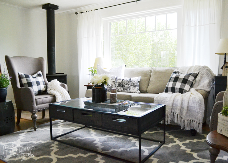Our Guest Cottage Living Room: Neutral Mix-and-Match Style | The ...
