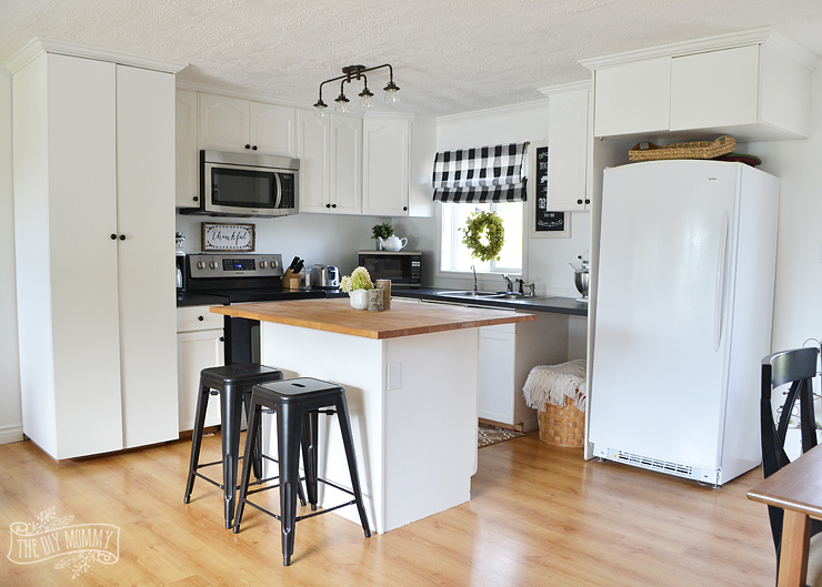 A Budget Friendly Black And White Country Cottage Farmhouse Kitchen