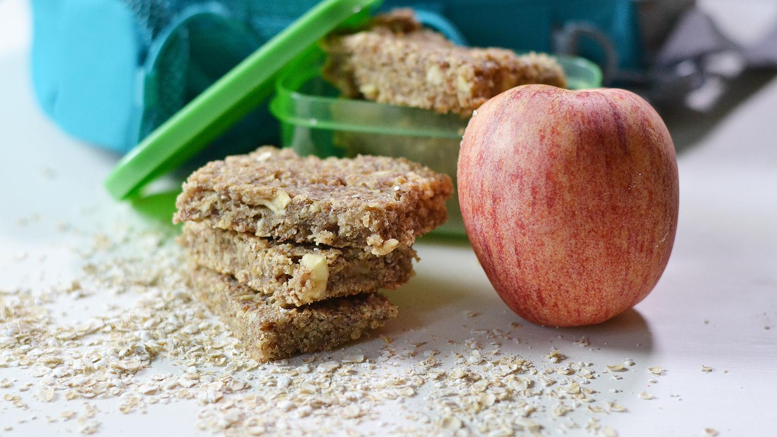 Healthy Apple Cinnamon Oat Bars