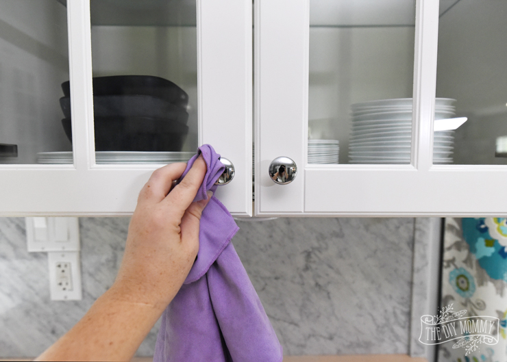 Cupboard cleaning hack