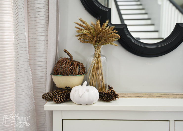 Simple Fall entry decor