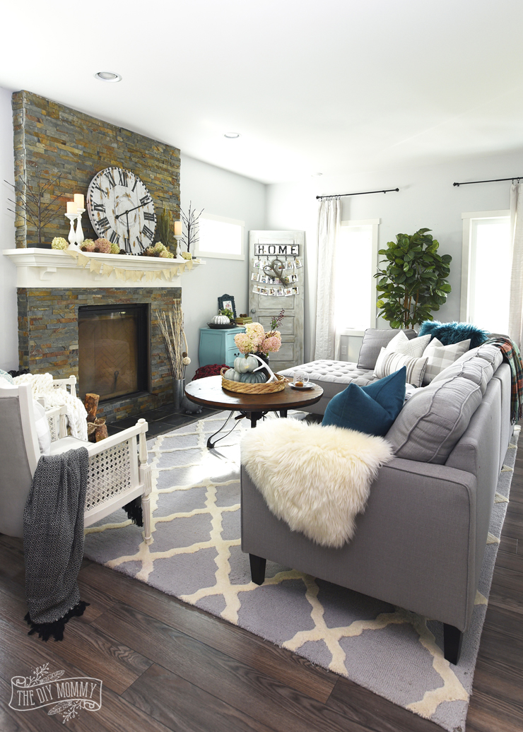 Modern country boho farmhouse living room with Fall touches