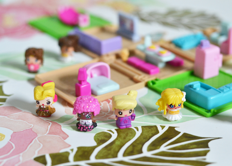 My Mini MixiQs - adorable collectible toys with hair and clothes that you can change!