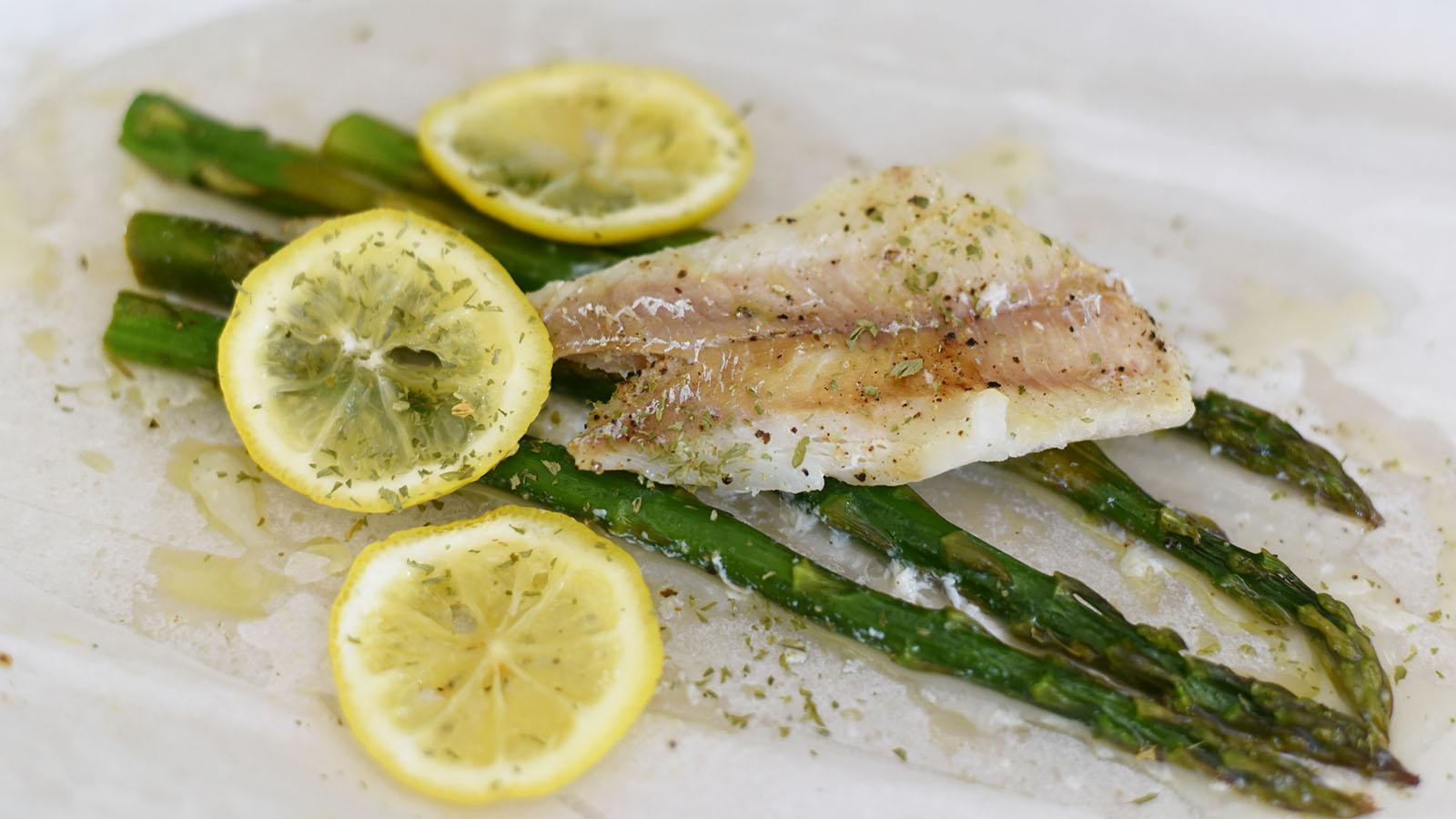 Steamed Lemon Pepper Fish and Asparagus Packet