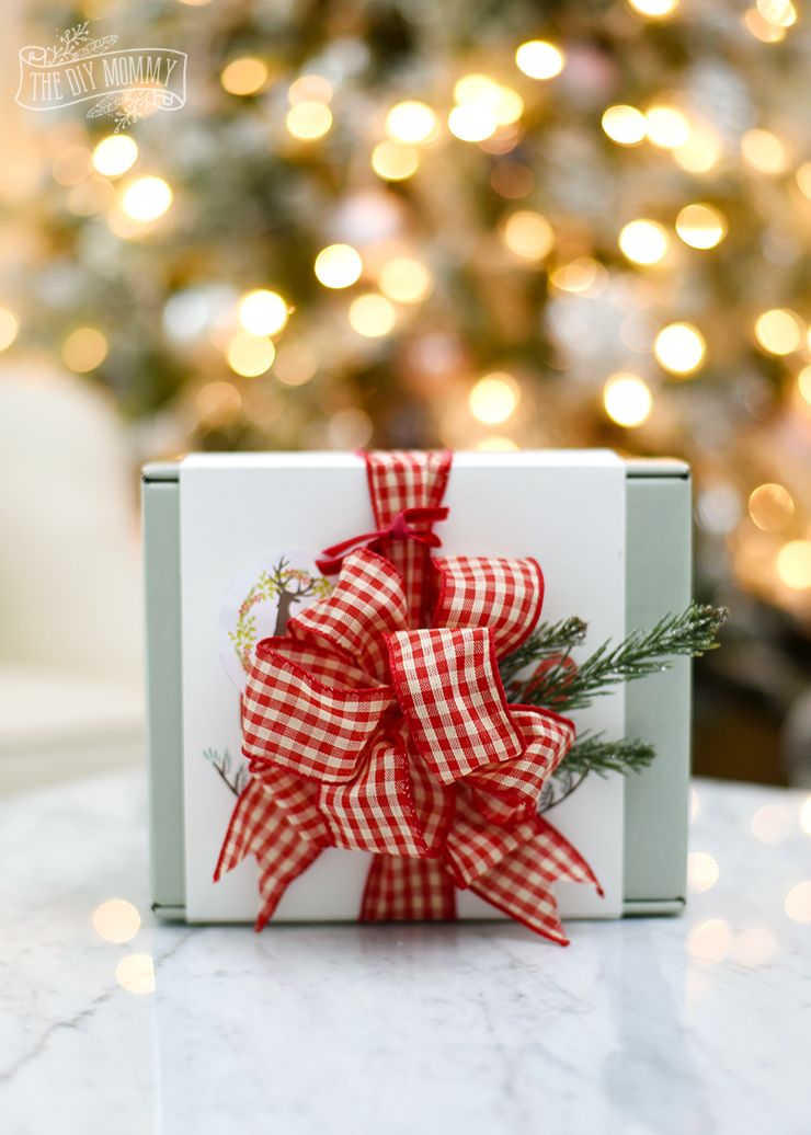 How to make the perfect DIY bow for Christmas gift wrapping idea
