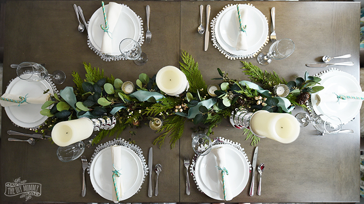 Aqua Blue, Teal & Green Farmhouse Christmas Table & Hutch Decoration Ideas