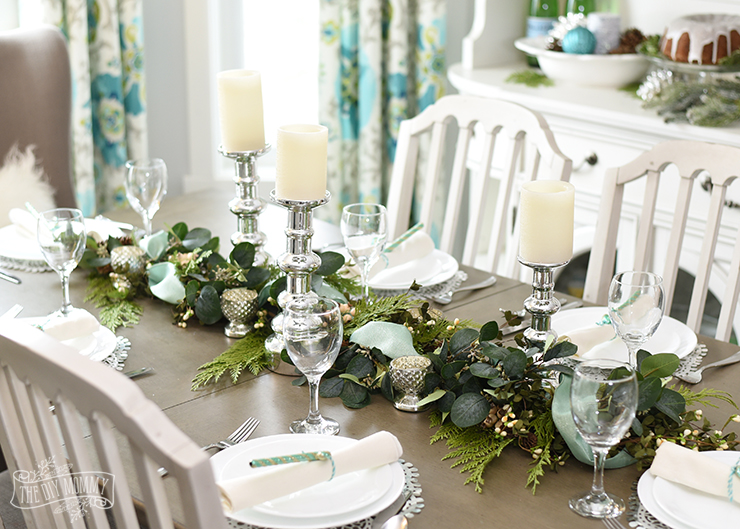 aqua blue teal green farmhouse christmas table hutch decoration ideas