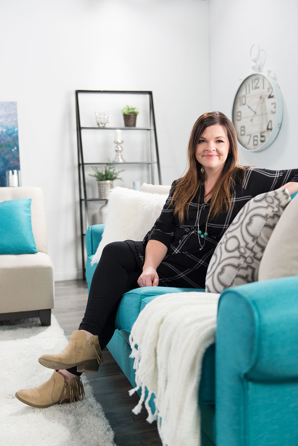 Traditional living room design in teal, gray and white - thediymommy.com