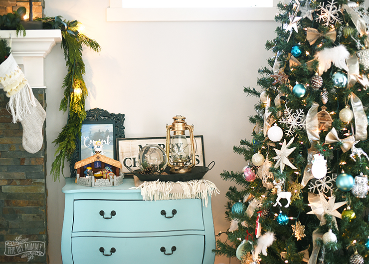 natural green teal silver gold and white christmas decoration ideas