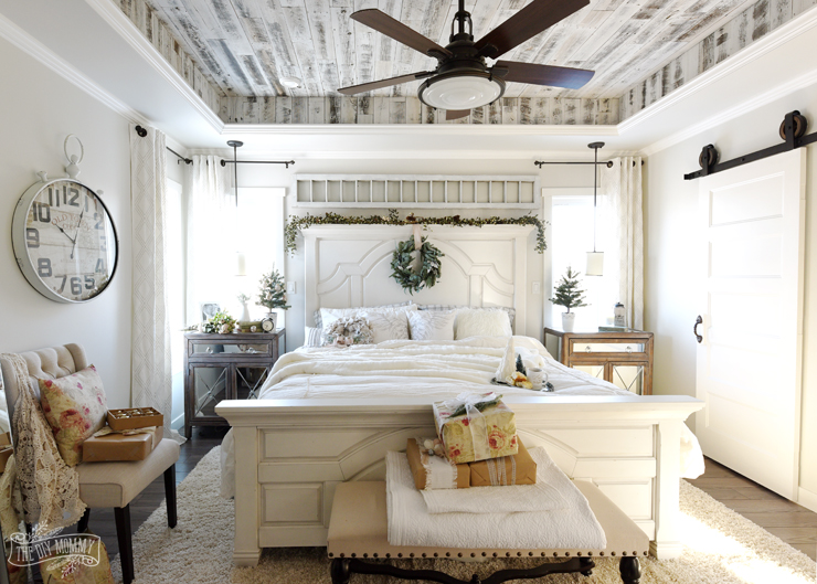 Christmas Bedroom Decorating Ideas: A French Country ...