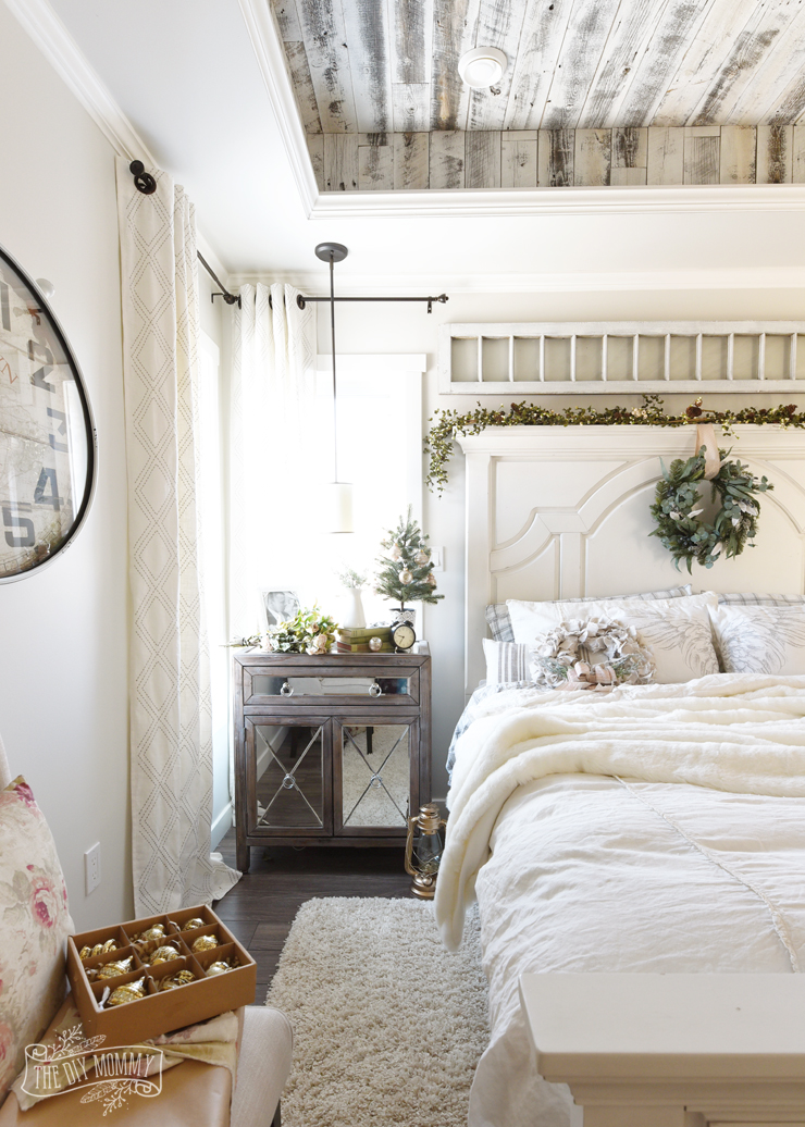 Christmas Bedroom Decorating Ideas A French Country Farmhouse Bedroom For The Holidays The Diy Mommy