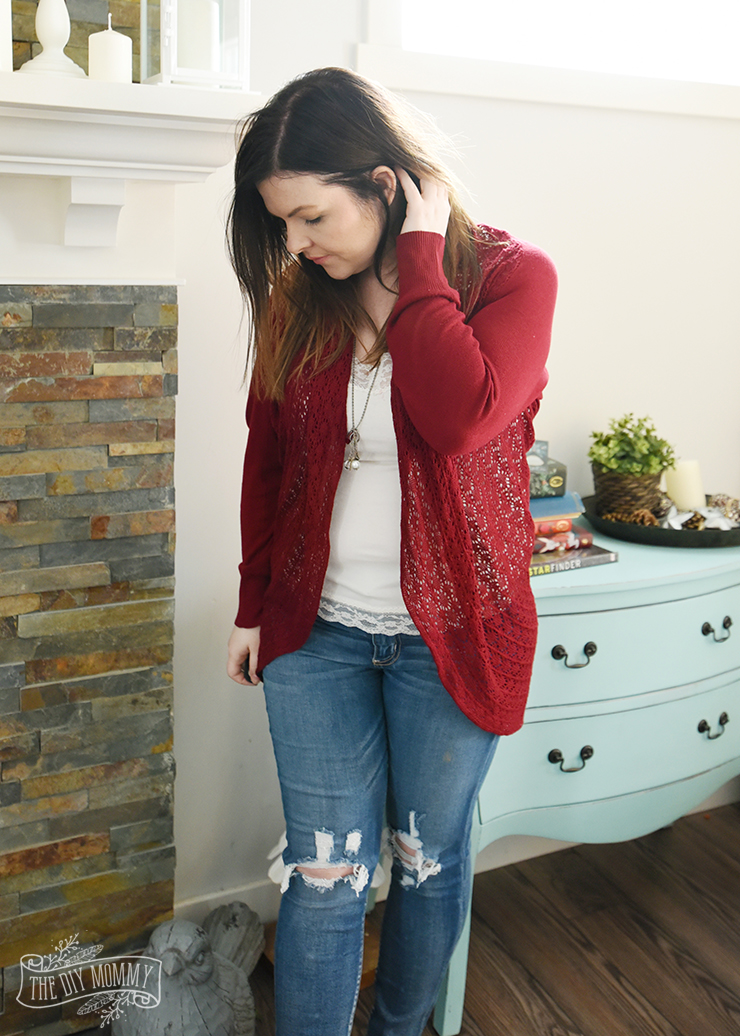 Casual Valentine Outfit Ideas - Petite Curvy Mom Style