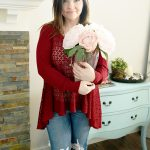 Casual Valentine Outfit Ideas – Petite Curvy Mom Style