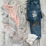 2017 Spring Capsule Wardrobe – Petite Curvy Mom Style