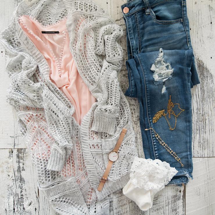 Spring Capsule Wardrobe - Spring Outfit Ideas - Petite Curvy Mom Style