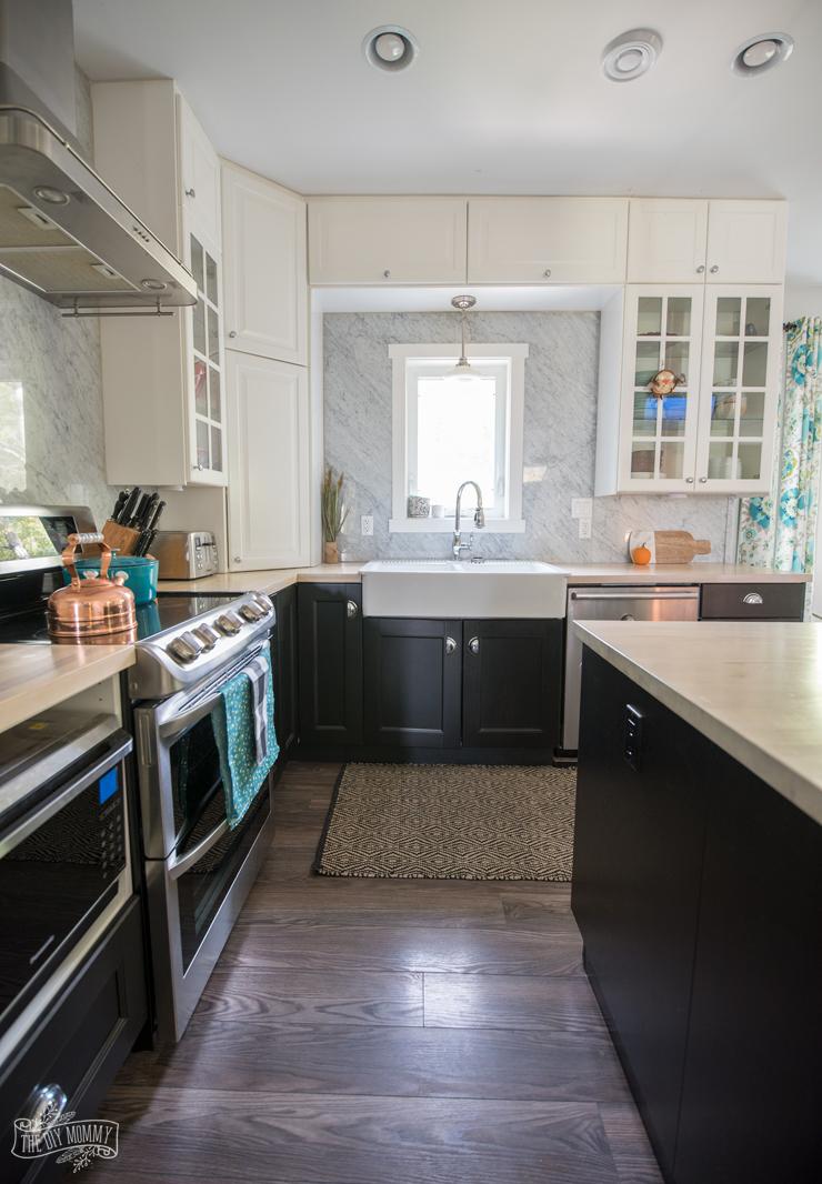 Black and white Fall kitchen decor