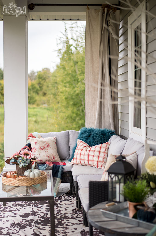 Cheerful Fall Front Porch Decor Ideas