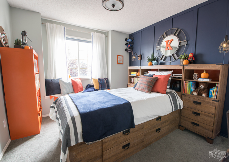 A Modern Navy & Orange Nautical Kids\' Room Makeover | The DIY Mommy