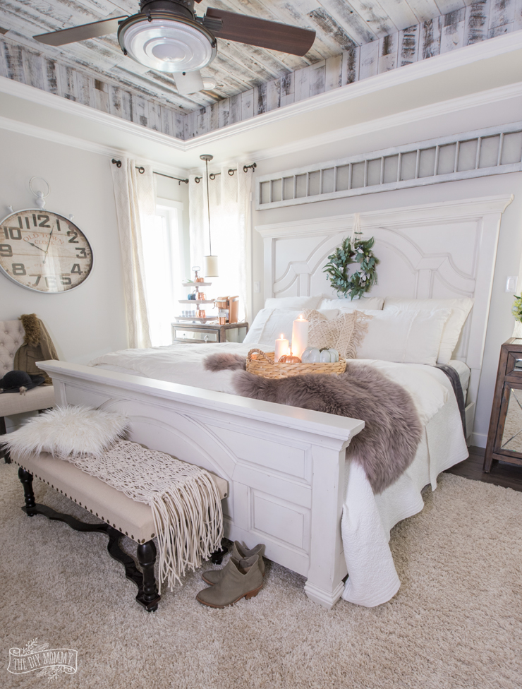cozy bedroom ideas for a perfect bedroom | Cozy & Easy Fall Bedroom Decorating Ideas | The DIY Mommy