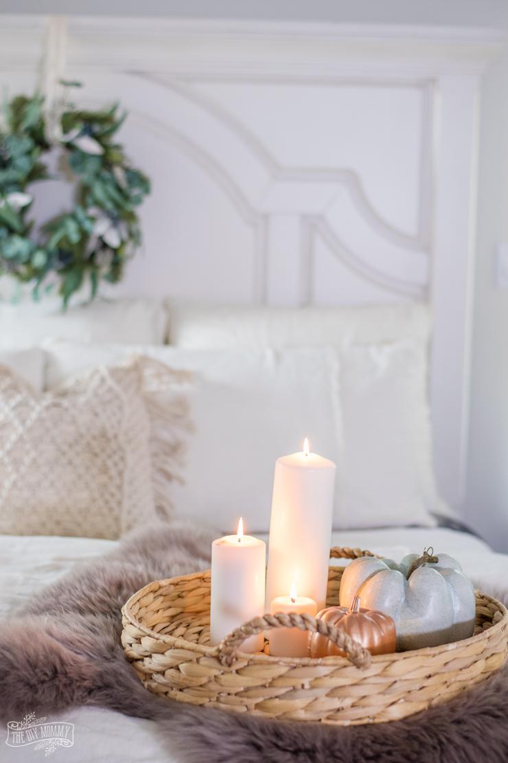 Cozy & ECozy & Easy Fall Bedroom Decorating Ideasasy Fall Bedroom Decorating Ideas