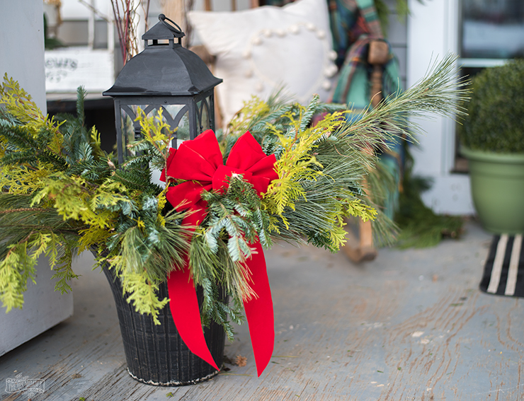 How to make DIY Outdoor Christmas Planters