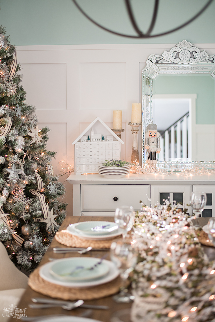 French Country Farmhouse Christmas Dining Room Table Setting The Diy Mommy,Black And White Wallpaper Aesthetic Nike
