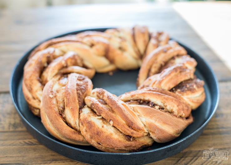 Cinnamon Christmas Breakfast Wreath Recipe