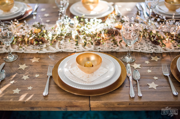 Easy New Years Eve Table & Decorating Ideas