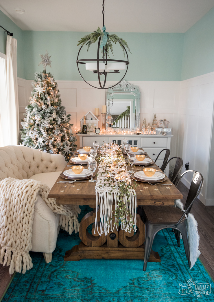 Easy New Years Eve Table & Decor Ideas