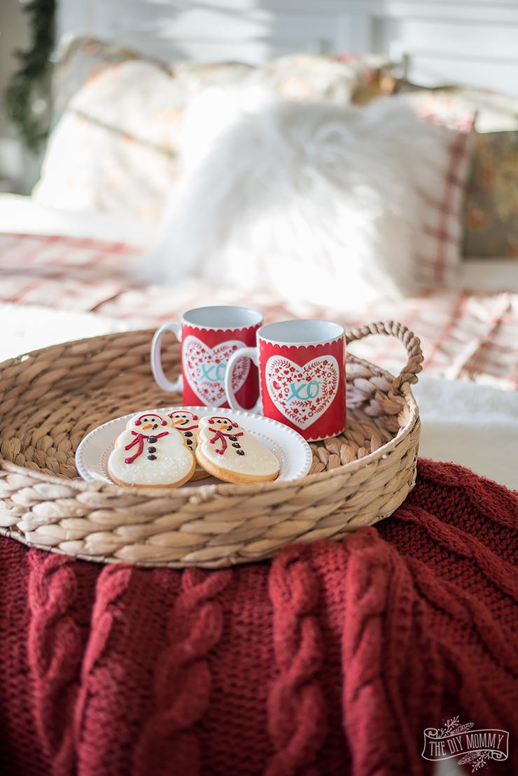 Traditional Christmas Bedroom Decor Ideas