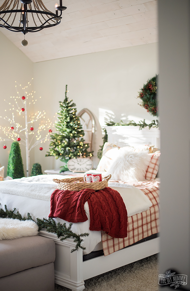 traditional christmas bedroom decor ideas - Christmas Bedroom Decor Ideas
