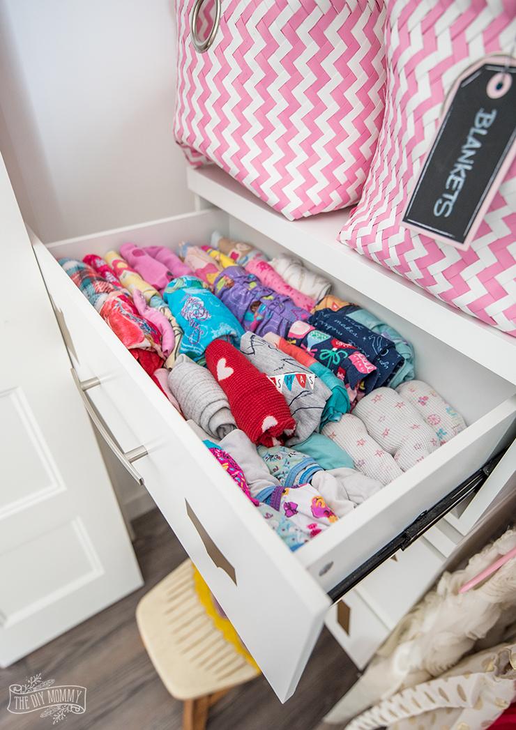 Kids Closet Organization Ideas with free Cricut file for dresser labels
