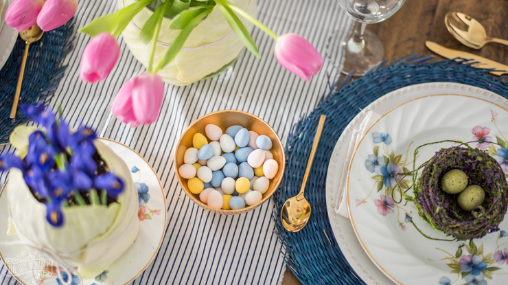 Bright and Colourful Easter table setting idea in blues and pinks