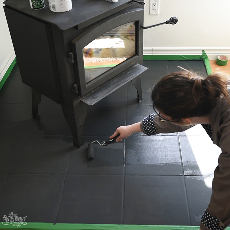 How to Paint Tile Floors with a Stencil | The DIY Mommy