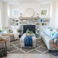 Traditional Coastal Cottage Living Room Reveal – Mom's Lake House