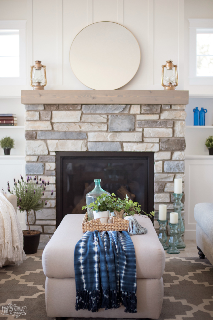 Traditional Coastal Cottage Living Room Reveal Mom S
