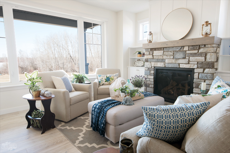 Traditional Coastal Cottage Living Room Reveal - Mom\'s Lake ...