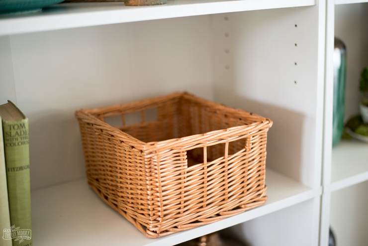 DIY French vintage basket from a new wicker basket